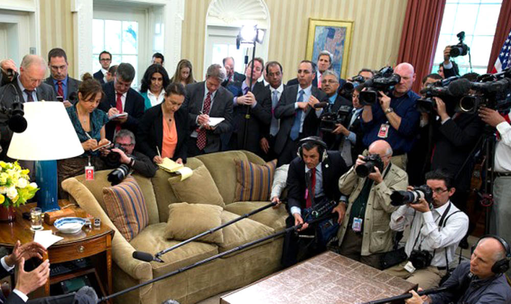 White House press pool. Photo by Pete Souza, The White House