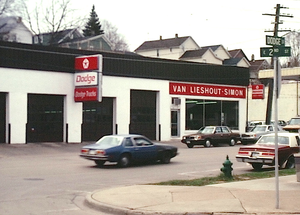 Van Lieshout-Simon Motors, Kaukauna, 1982. Dan Plutchak photo.<