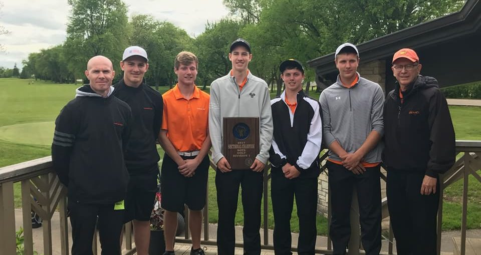 2017 WIAA qualifying Kaukauna High School golf team. KHS photo.