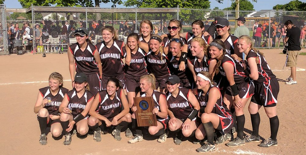 2017 WIAA state qualifying Kaukauna Galloping Ghost softball team. Photo credit: @KaukaunaGhosts on Twitte