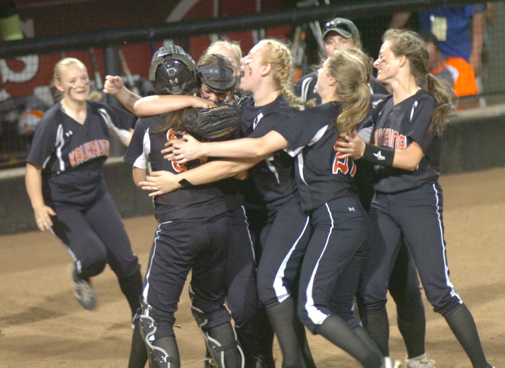 The Kaukauna High School softball team celebrates following a victory at the 2017 WIAA state softball tournament. Dan Plutchak/KCN photo.